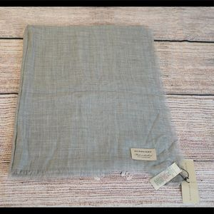 Burberry Cashmere Scarf in Pale Gray NWT